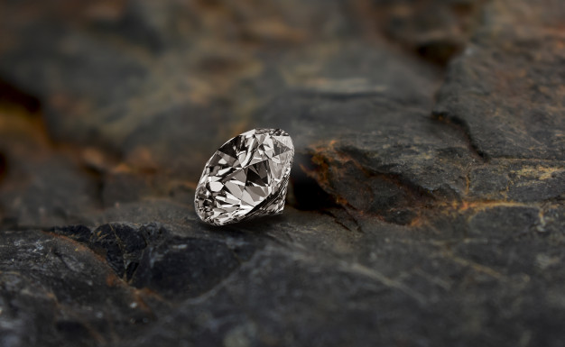 How to Stay Safe when Buying Diamonds from an Online Jewellery Shop